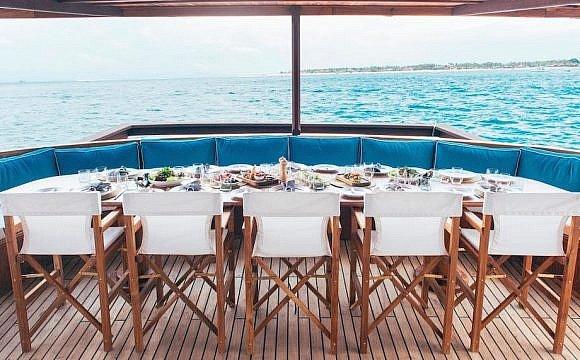 Rascal Charters yacht, Komodo, Indonesia
